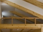 2階の明るく伸びやかな空間は、メインのリビング・ダイニング・キッチン
